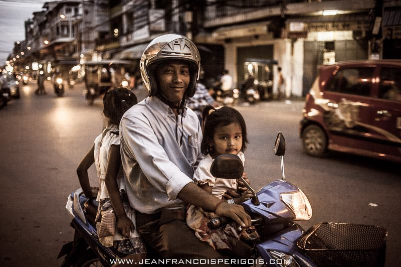 Name:  On the way to pick up mum, Phnom Penh, Cambodia.jpg
