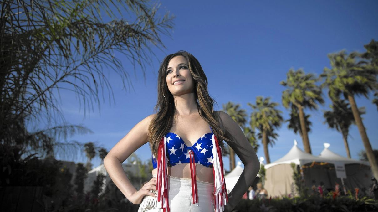 Name:  la-et-ms-kacey-musgraves-pageant-material-20150623.jpg Views: 69 Size:  94.0 KB