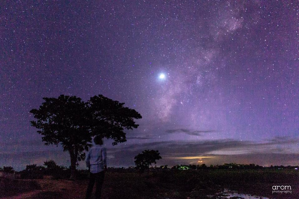 Name:  Looking through the milky way.jpg Views: 141 Size:  90.6 KB