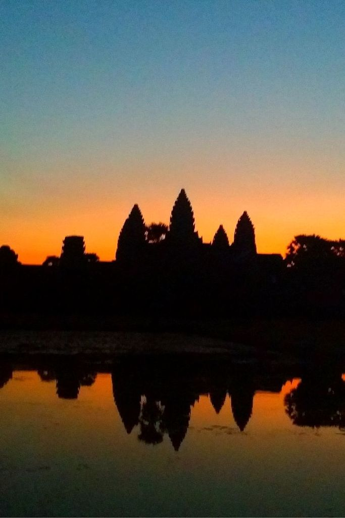 Name:  Catching the sunrise in Angkor Wat, Siem Reap, Cambodia.jpg