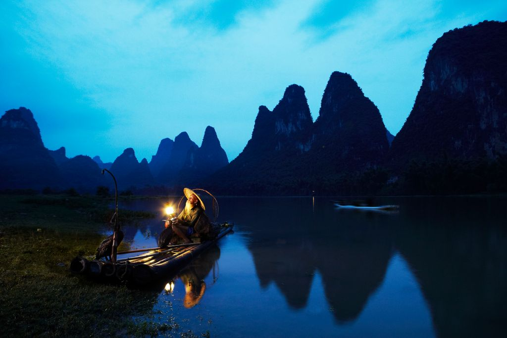 Name:  Cormorant fisherman on the Yulong river near Guilin, China.jpg