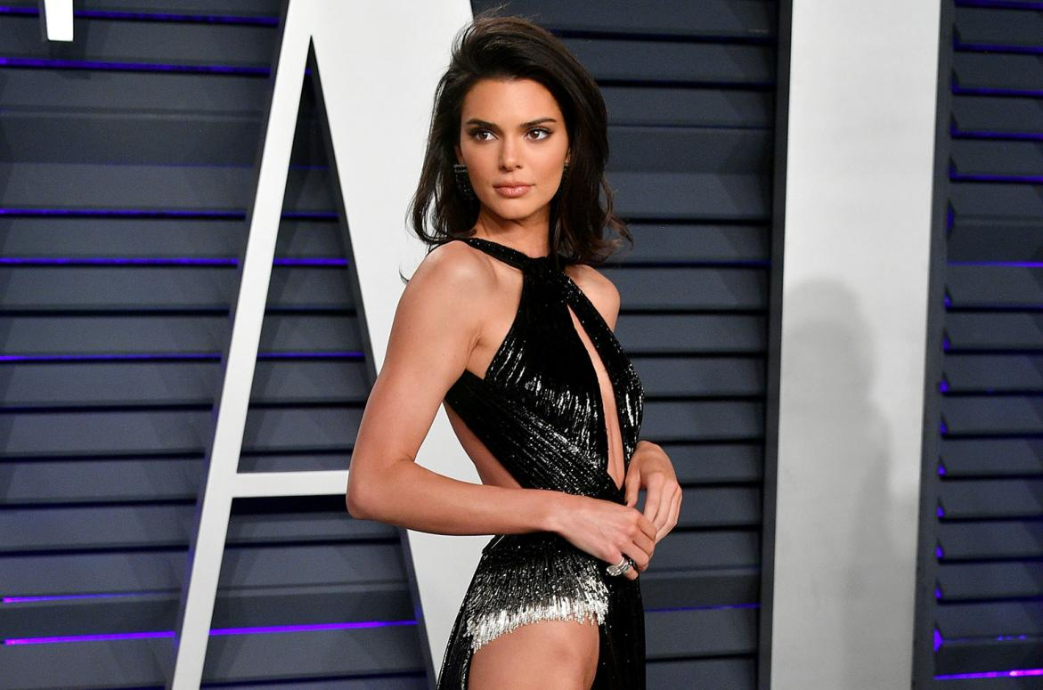 Name:  Kendall-Jenner-vanity-fair-oscar-party-2019-red-carpet-billboard-1548.jpg